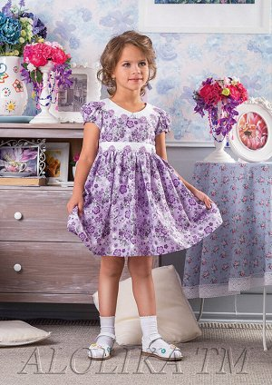 Катюша Красивое летнее платье с подкладом на каждый день из 100%-ного хлопка с отложным воротничком и маленькими рукавами-фонариками. Модель декорирована цветочным кружевом по поясу и воротничку, на с
