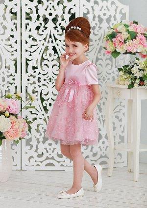 Медея Стильное нарядное платье для маленьких модниц. Лиф с завышенной талией, с рукавами, присборенными на плечиках, выполнен из гладкого атласа. Юбка немного присборена с верхним слоем из сетки с неж