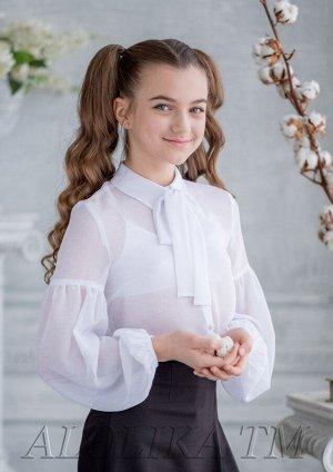 Феоктиста Совершенно очаровательная, легкая блузка для девочки старшего школьного возраста из жоржета. Рукав присобран между плечом и локтевым сгибом,окантован и застегивается на пуговицу. Блузка идеа