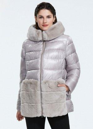 Зимний женский пуховик с капюшоном и меховыми карманами, цвет бежевый