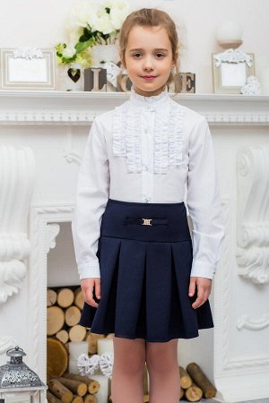 Блуза Школьная блуза для девочки,выполнена в классическом стиле,украшена декоративным кружевом по центру,строгий воротничок стойка.