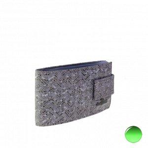 Визитница Ice из натуральной замши цвета матового серебра.