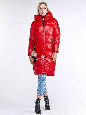 Женская зимняя молодежная куртка удлиненная красного цвета