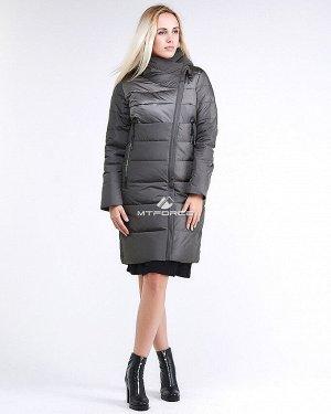 Женская зимняя молодежная куртка стеганная светло-серого цвета