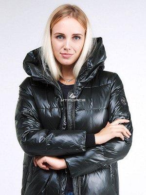 Женская зимняя молодежная куртка с капюшоном темно-зеленного цвета