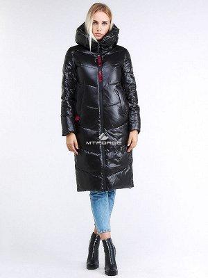 Женская зимняя молодежная куртка с капюшоном черного цвета