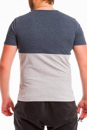 Футболка Мужская футболка выполнена из хлопкового полотна. Вырез горловины круглый, спереди вставка из отделочного полотна и нагрудный карман. Размерный ряд: 44-62. Состав Хлопок 100% Артикул 11907 Ба