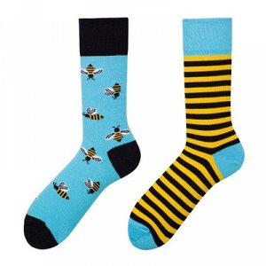 Асимметричные носки рисунок Пчела