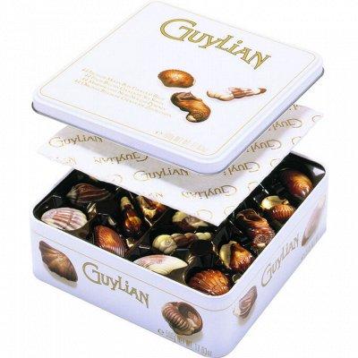 Магазин рождественских сладостей. Пряники, штоллены, шоколад — Guylian — Шоколад