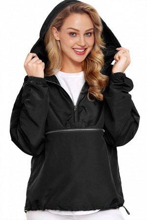 Черная куртка-ветровка на молнии и с капюшоном