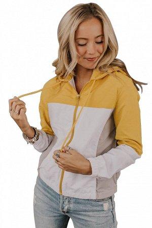 Желто-бежевая ветровка блочной расцветки на молнии и с капюшоном