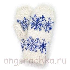Детские пуховые варежки с синими снежинками - 343.2