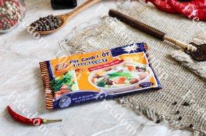 Приправа Приправа от ТМ HAI CHAU .  Смесь может служить полноценной суповой основой или универсальной добавкой к пище на этапе её приготовления.   Приправа универсальна и может использоваться практиче