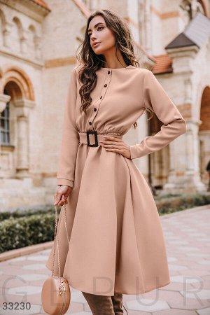 Бежевое платье-миди