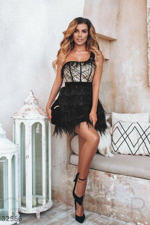 Короткое платье с перьями