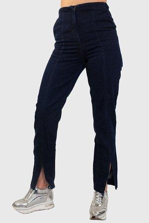 Темно-синие прямые женские джинсы с эффектными разрезами в нижней части центрального шва №133