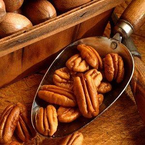 Орех пекан Пекан - близкий родственник грецкого ореха, по вкусу они похожи, но ядра пекана немного мягче и нежнее. Орех пекан рекомендуют при авитаминозе, отсутствии аппетита, усталости, малокровии, о