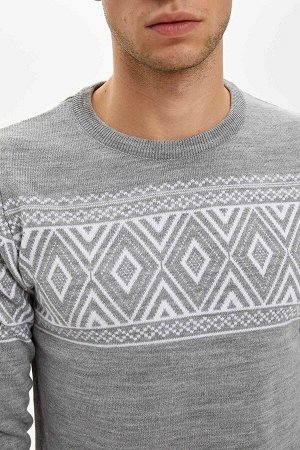 Джемпер тонкий серый с этническим орнаментом