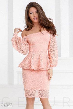 Романтичное гипюровое платье
