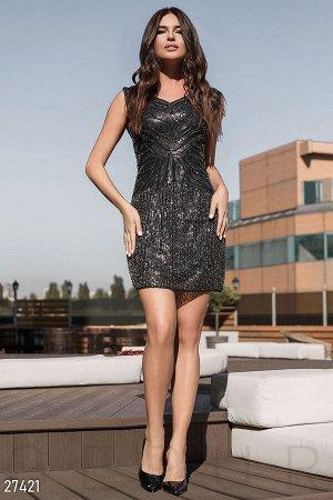 Облегающее платье-бисер