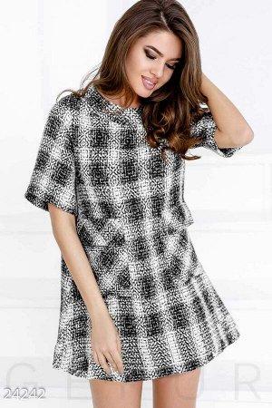 Короткое платье из букле