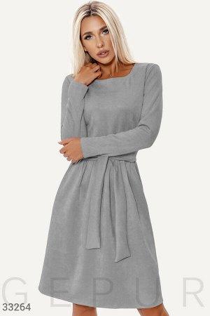 Серое платье-клеш