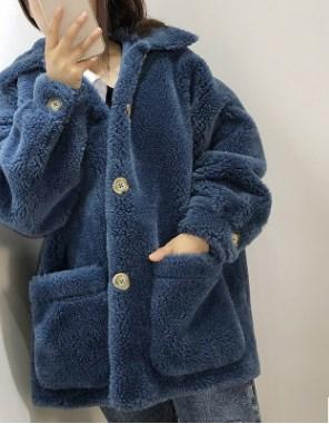 Пальто Пальто, оформленное длинными рукавами, овечья шерсть/полиэстер. Размер (обхват груди, длина изделия, см): S (108,70), M (112,71), L (116,72)