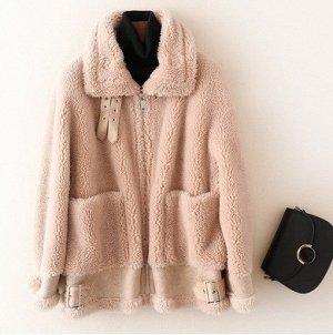 Куртка Куртка, оформленная длинными рукавами и застежкой на молнию, овечья шерсть/полиэстер. Размер (обхват груди, длина рукава, длина изделия, см): S (110,46,64), M (114,47,65), L (118,48,66)