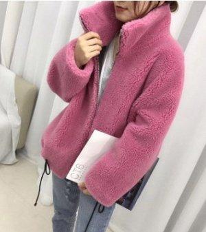 Куртка Куртка, оформленная длинными рукавами, овечья шерсть/полиэстер. Размер (обхват груди, длина рукава, длина изделия, см): S (126,63), M (130,64)