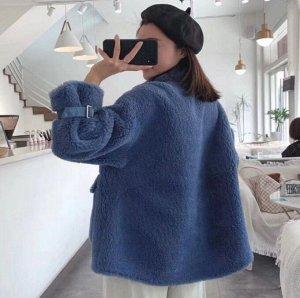 Пальто Пальто, оформленное длинными рукавами, овечья шерсть/полиэстер. Размер (обхват груди, см): S (112), M (116)