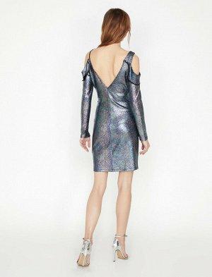 Платье Материал: %95 полиэстер, %5 эластан Параметры модели: рост: 176 cm, грудь: 84, талия: 60, бедра: 90 Надет размерi: 36  Размерная сетка