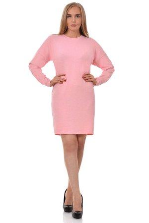 Платье Платье трикотажное свободного силуэта. Горловина круглая с узкой притачной планкой. Платье со спущенным плечом и втачным рукавом длиной до запястья. Спинка с разрезом от планки горловины спинки