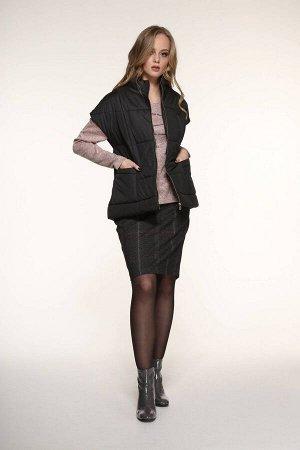 Жилет Жилет AMORI  2071  Состав ткани: ПЭ-100%;  Жилет черный на синтепоне на молнии с карманами. Длина изделия на рост 164-68 см, на 170-72 см.  Подходит на рост 164-170 см.