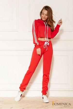 Яркий стильный повседневный спортивный костюм Красный