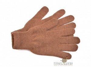 Перчатки Не смотря на утонченность и легкость изделия, перчатки из шерсти верблюда отлично защитят ваши руки даже в условиях холодной сибирской зимы. Носить перчатки из натуральной шерсти – одно удово