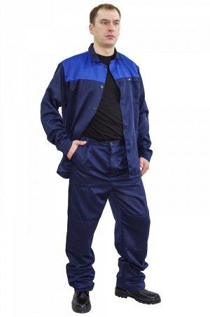 Костюм 917 Рост 158-164 Состав: 80% ПЭ, 20% хлопок Описание: Рабочий костюм состоит из куртки и брюк. Накладной карман на полочке. Полочка куртки из ткани контрастного цвета. Локти и колени усилены. Т