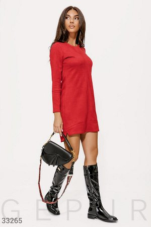 Замшевое платье красного цвета