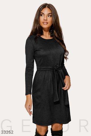 Черное платье-клеш
