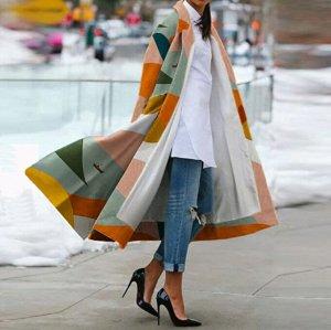 Пальто Лучший способ подчеркнуть свою харизму и индивидуальность - приобрести пальто с ярким принтом. Такая покупка поднимает настроение и радует глаз окружающих. Длина , бюст, рукав  S(115,100,49), M