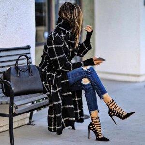 Пальто Необычные геометрические фигуры с интересной цветовой гаммой помогут почувствовать себя невероятно стильной. Ведь последний тренд сезона - это яркие и креативные узоры.Длина , бюст, рукав S(125