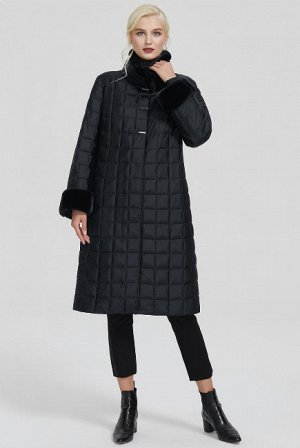 Зимнее женское пальто с воротником-стойкой, цвет черный
