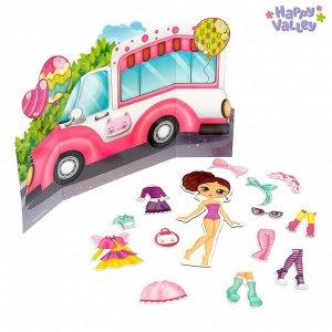 Магнитный набор с куклой, фоном и наклейками «Милашка Сью»