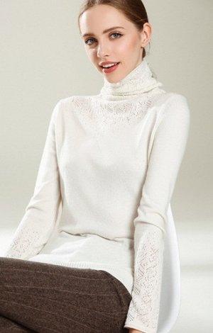 Свитер Очень красивый свитер с ажурной вставкой из вискозного трикотажа с акрилом. Нежный, мягкий и стильный. Длина по спинке около 58см