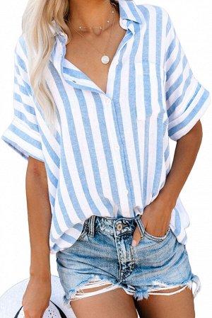Белая в голубую полоску рубашка свободного покроя