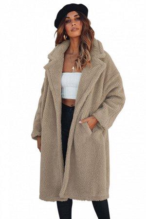 Бежевое меховое пальто с отложным воротником и карманами