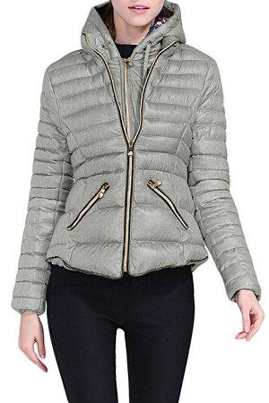 Светло-серая приталенная куртка с капюшоном и на молнии