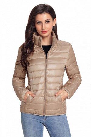 """Светло-коричневая приталенная куртка на """"молнии"""" со стеганым эффектом и высоким воротником"""