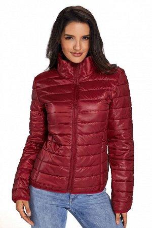 """Бордовая приталенная куртка на """"молнии"""" со стеганым эффектом и высоким воротником"""
