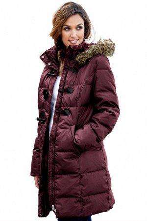 Гранатовая куртка-зефирка с карманами и мехом на капюшоне