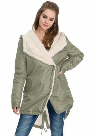 Серо-зеленая зимняя куртка с бежевой меховой подкладкой